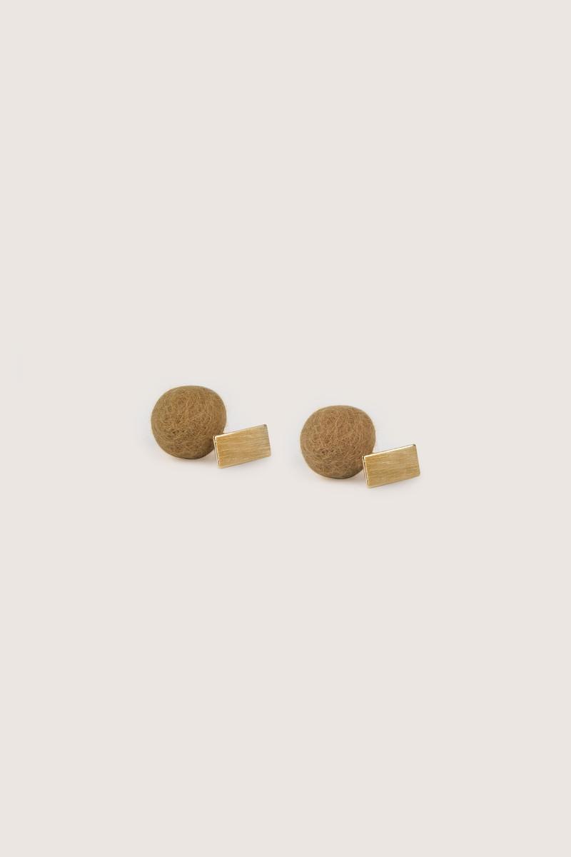 Earring H210 Beige 2