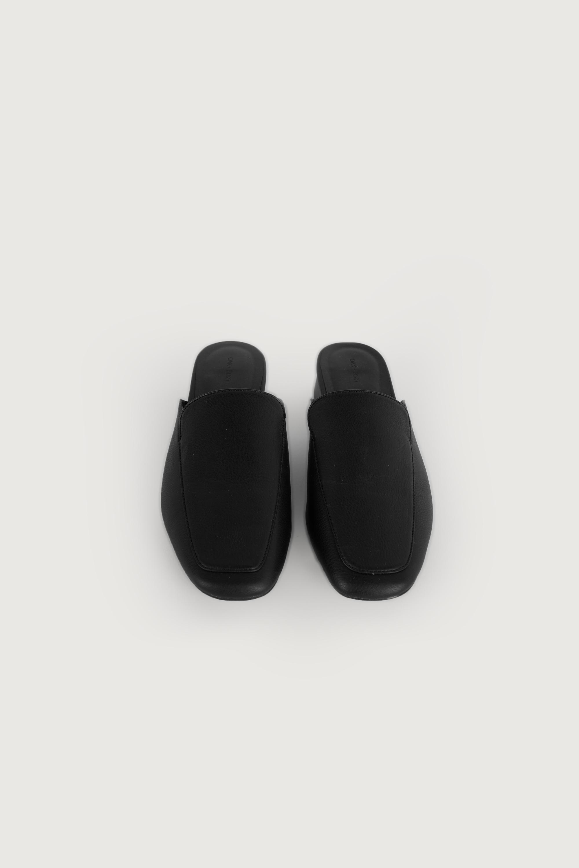 Mule 3240 Black 9