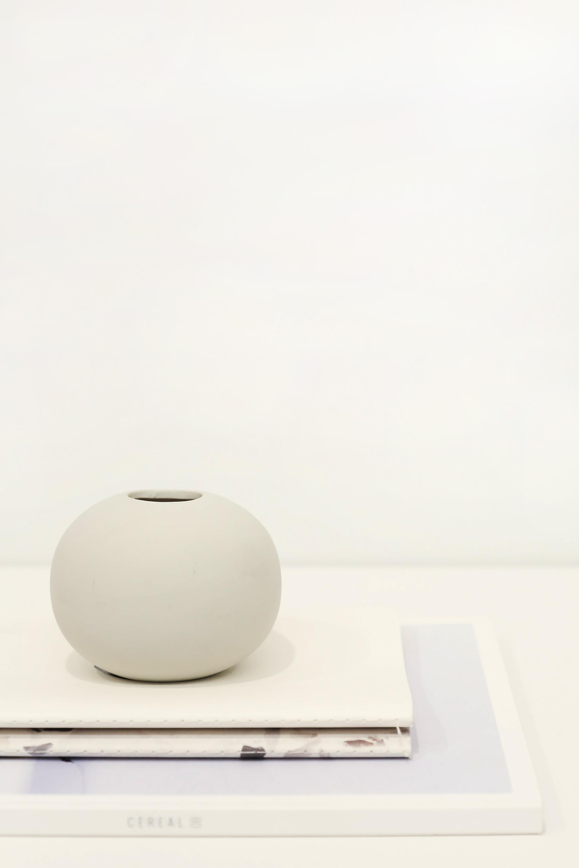 Rounded Vase 3132 White 1