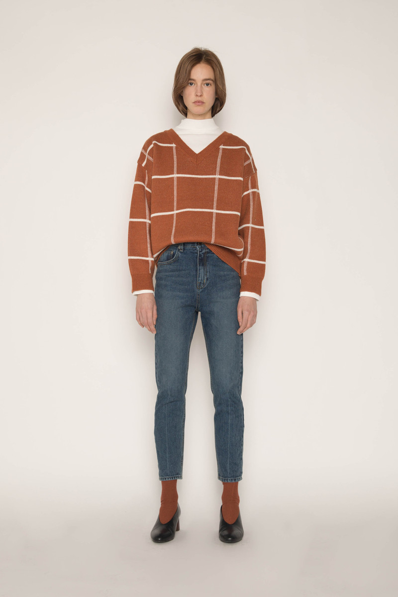 Sweater H067 Brown 3