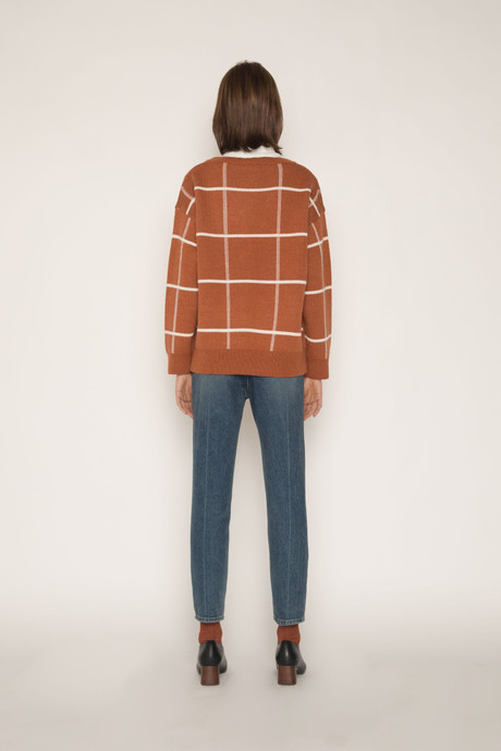 Sweater H067 Brown 4