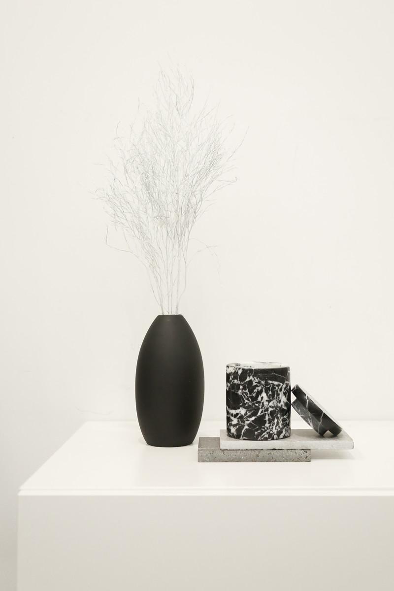 Tall Oval Vase 3129 Black 1