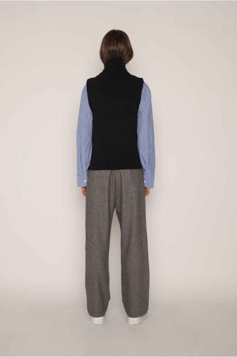 Vest H049 Black 4